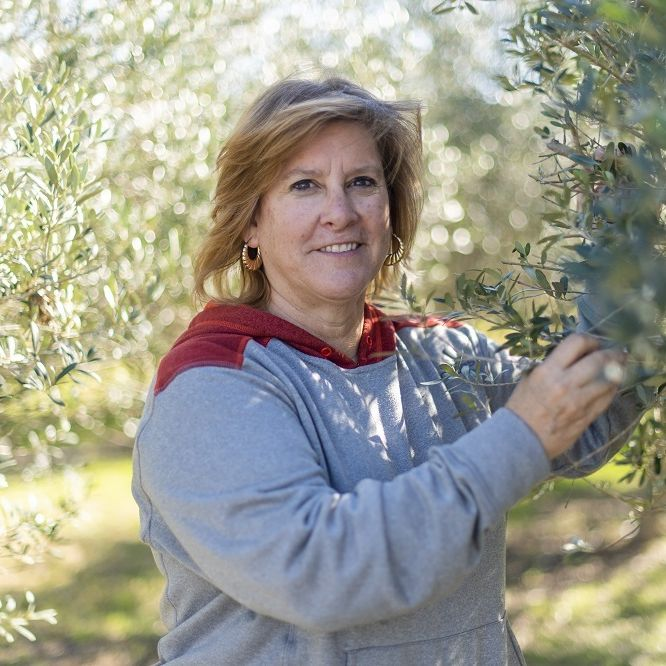 Lone Star Olive Ranch Farmer Cathy 2 Small